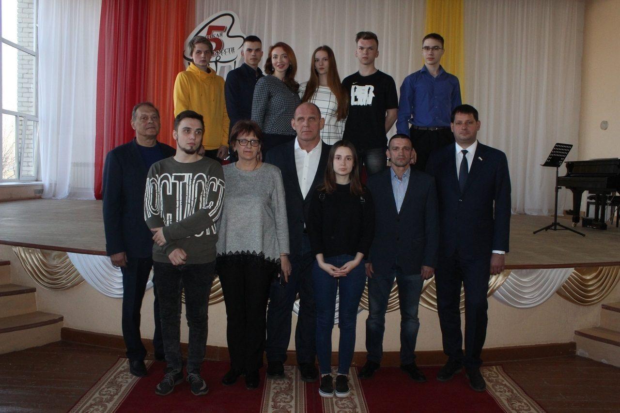 http://politehnikum-eng.ru/2019/04_18/51.jpg